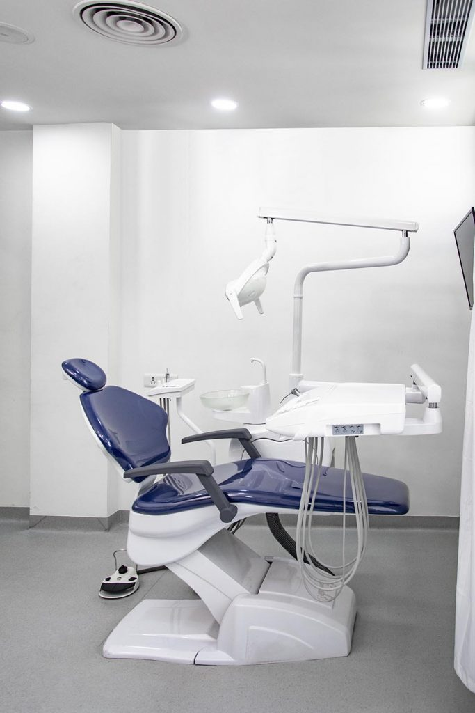 Devices Used for Surgeries at Dental Clinic in Gurgaon   Alveo Dental Clinic